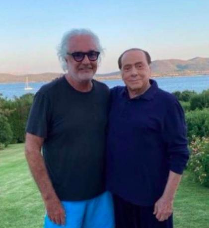 Berlusconi contagiato: un uomo di teatro con la balera nel destino