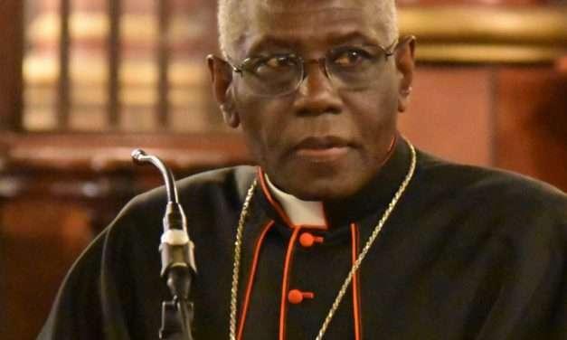 Guinea: Imbarazzo in Vaticano per la scelta del Cardinale Sarah di riconoscere i golpisti